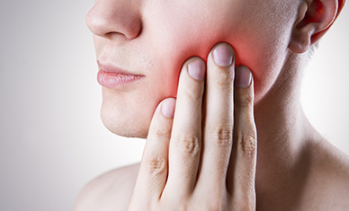 Wisdom Teeth Extraction by An Oral Surgeon Offers Advantages